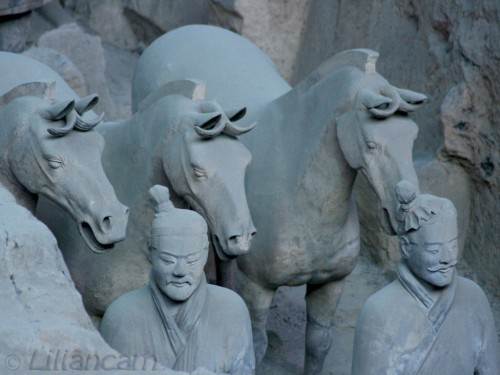 Terracottaleger, Xian, Paarden, Soldaten, beelden, China